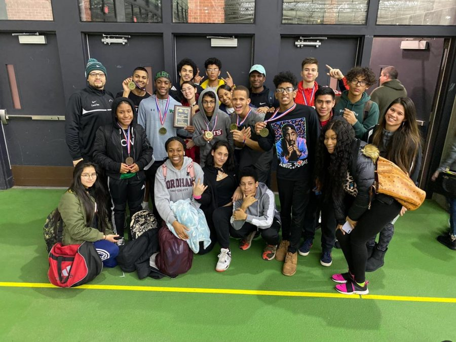 Harling, Perez, 4x800 Team Winners at NVL Indoor Track Meet
